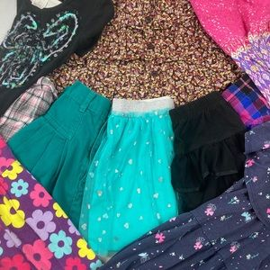 Lot of girl small size 6 dresses (4) skirts (6)